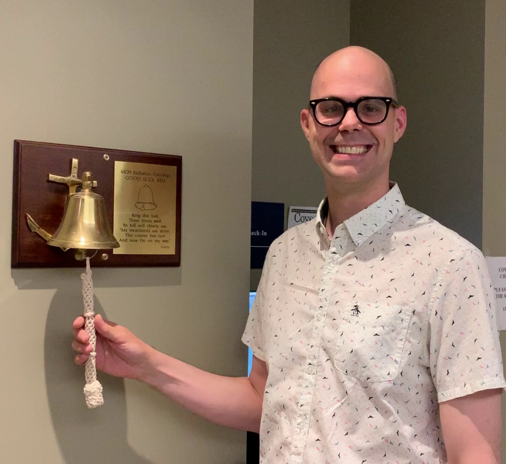 The author ringing the cancer bell.